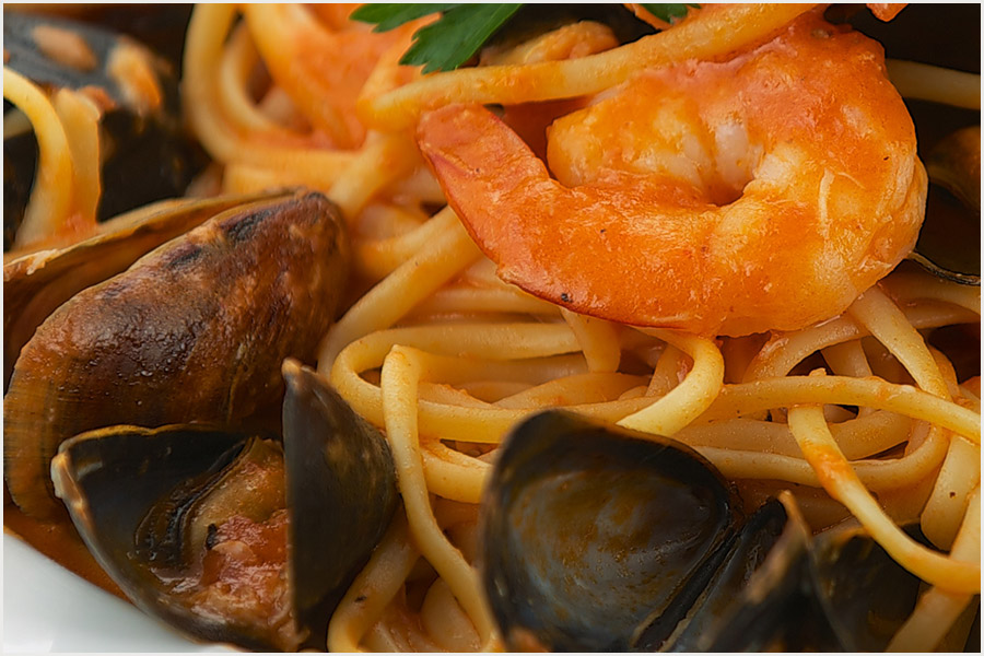 Favorita Seafood Linguini